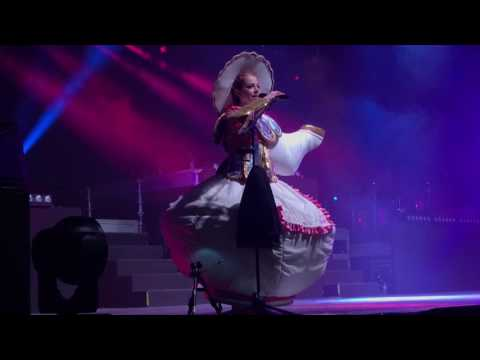 Lindsey Stirling behind the scenes Beauty And The Beast - Berlin