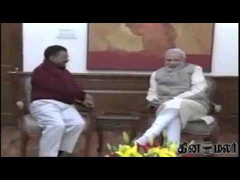 Arvind Kejriwal meets PM Narendra Modi, invites him for swearing-in ceremony