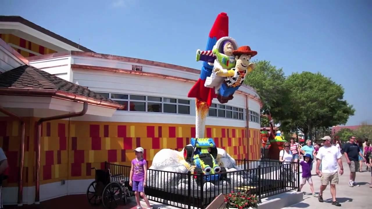 Remodeled Lego Store At Downtown Disney Walt Disney