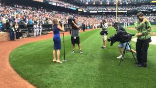 Janine Stange | Orioles vs Yankees | Star Spangled Banner  ‏@THEANTHEMGIRL