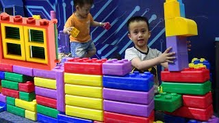 Be Duc and Su Hao Pretend Play with Lego Playhouse for kids ^-^ Songs Nursery Rhymes