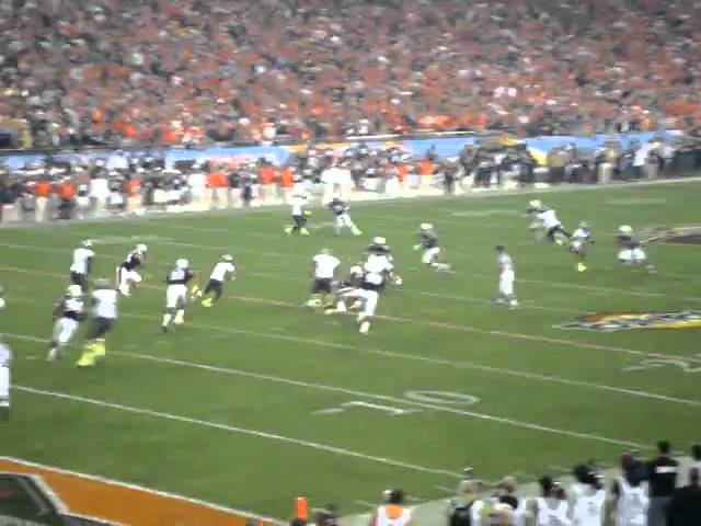 Oregon RB LaMichael James big gain on screen pass vs. Auburn 1-10-2011