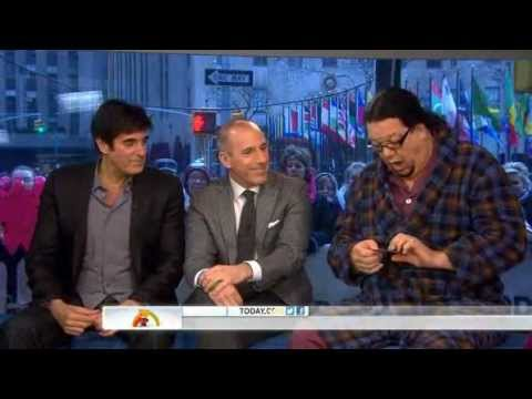 Penn and Teller wow anchors with card trick