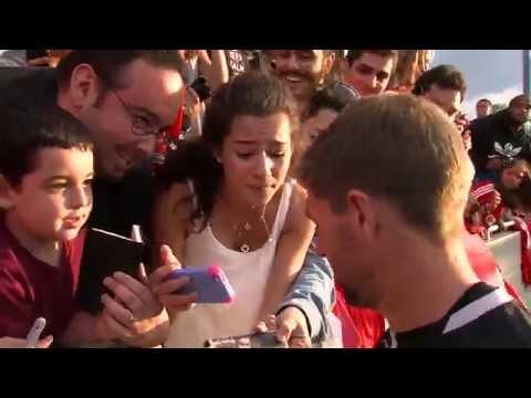 New Jersey fan cries after meeting Stevie G