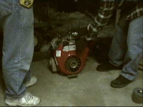 Testing a Briggs & Stratton V-Twin Vanguard motor for the Bolens