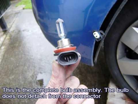 Замена противотуманной лампы Nissan Note, видео!