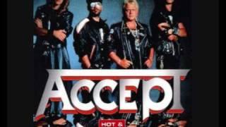 Watch Accept Amamos La Vida video