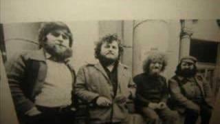 Watch Luke Kelly Peat Bog Soldiers video