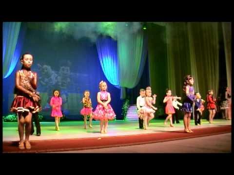 Aнсамбль танца,,ГРАЦИЯ,,г.Николаев.День защиты детей..wmv