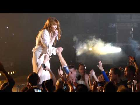 """Kiss With a Fist"" Florence & the Machine@Merriweather Post Pavilion Columbia, MD 6/9/15"