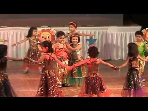 Yashomati Maiya Se Bole Nandlala, Maiya Yashoda, Radha Teri Chunari - Shanti Juniors - New Ranip video