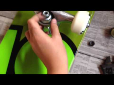 How to get skateboard trucks to stop squeaking