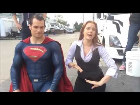 Henry Cavill & Amy Adams Ice bucket challenge (superman vs batman)