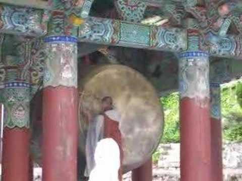 Lễ nhạc: Đánh trống - Phật giáo Hàn Quốc