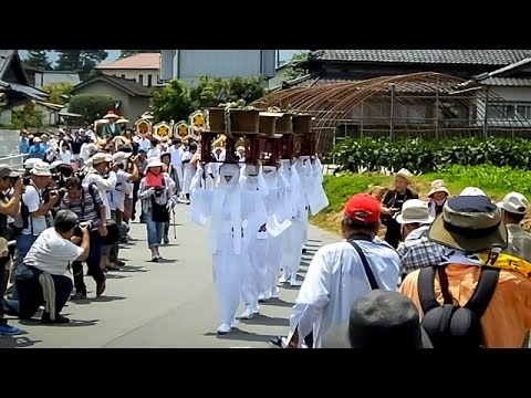 「宇奈利」にカメラずらり 阿蘇神社の御田祭り 熊本 沖野玉枝 検索動画 9