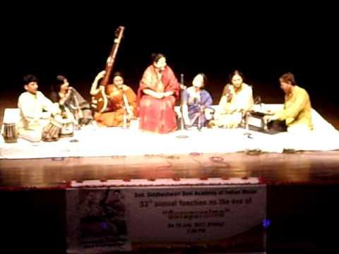 ( Vidushi Savita Devi Ji ) thari gori chitabata