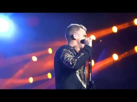 Robbie Williams - Angels/She's The One - 25-4-15 Abu Dhabi HD FRONT ROW