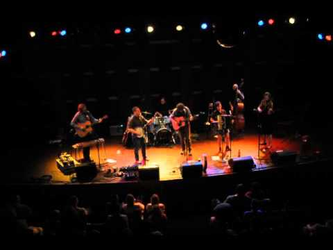JOHN BYRNE BAND - IT'S A GAS ...... (Byrne) - WORLD CAFE LIVE 9-19-15