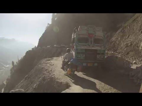 Zojila  pass india, kashmir. (crazy motorbike road)