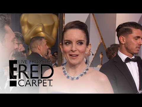 """Tina Fey Wants Chris Rock to """"Fix the World"""" at Oscars   Live from the Red Carpet   E! News"""