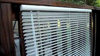 The Redneck Way To Clean Vinyl Blinds... So Amazing even Billy Mays would be amazed