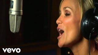 Watch Kristin Chenoweth Christmas Island video