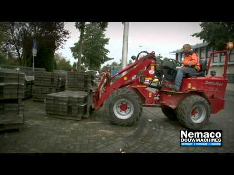 Machinaal bestraten; de Revo Palleteerwagen van Nemaco Bouwmachines!