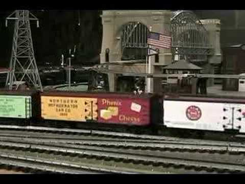The March of the Atlas Reefers (O-Gauge trains)