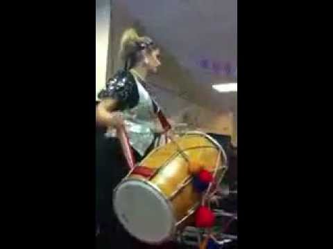 Rani Taj - Live Dhol To Jugni By Arif Lohar video