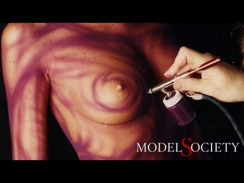 Airbrush body painting with nude art models. Learn body art techniques by David Bollt