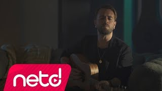 Download Lagu Emre Aydın - Beni Vurup Yerde Bırakma Gratis STAFABAND