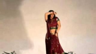 University week cultural night hot video_Chamma Chamma baje re