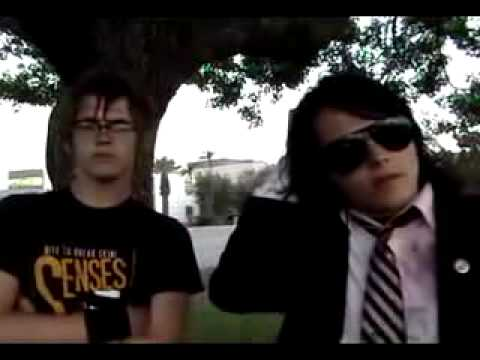 gerard way drunk with mikey way.flv