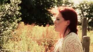 Download Maisie Berry Dry Your Eyes Official deubut music video SCTV 3Gp Mp4