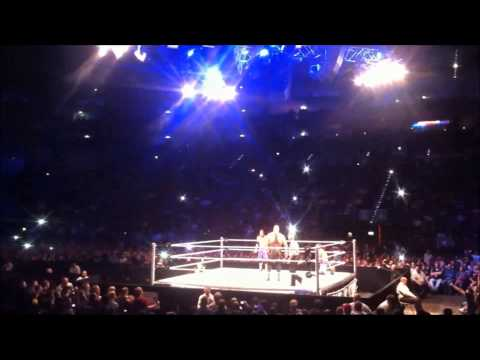 Big Show Vs Jimmy And Jey Uso Wwe Smackdown Wrestlemania Revengetour Köln Cologne 28.04.2013 video