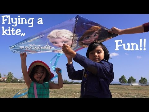 Fun Outdoor Activity for Kids: Fying a Disney Frozen Kite at the Park w/ Hulyan & Maya