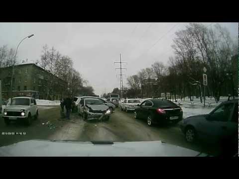 ДТП Томск 03.03.2013 авария на ул.Елизаровых