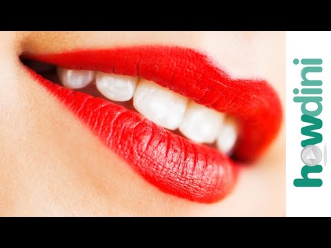 Teeth Whitening 101: How to Whiten Your Teeth at Home