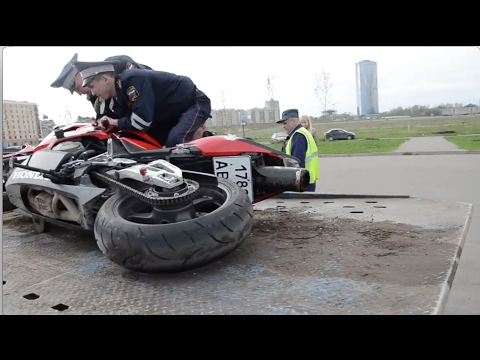 Беспредел Дебилы ДПС Уронили мотоцикл