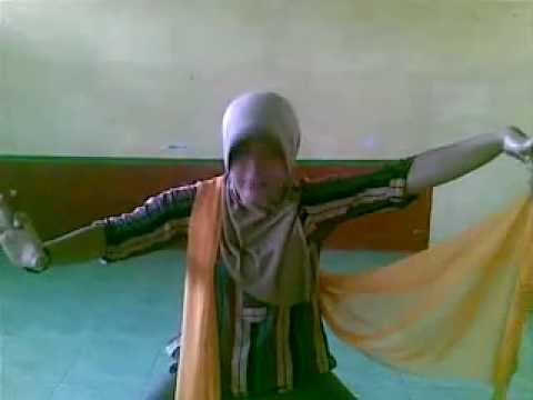 Tari Remo Guru Smp Muhamadiyah 2 Balongpanggang.mp4 video
