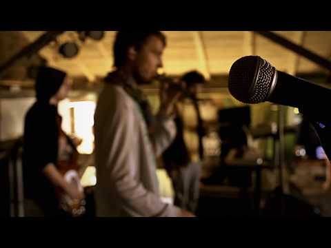 Les Elephants Bizarres - Nu ma opri (Official Video)