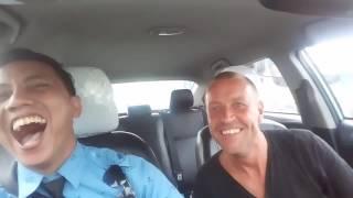 Download video Supir taxi blue bird di bayar 1 juta lebih sama pria belgia