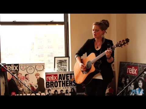 "Crystal Bowersox ""I Am"""