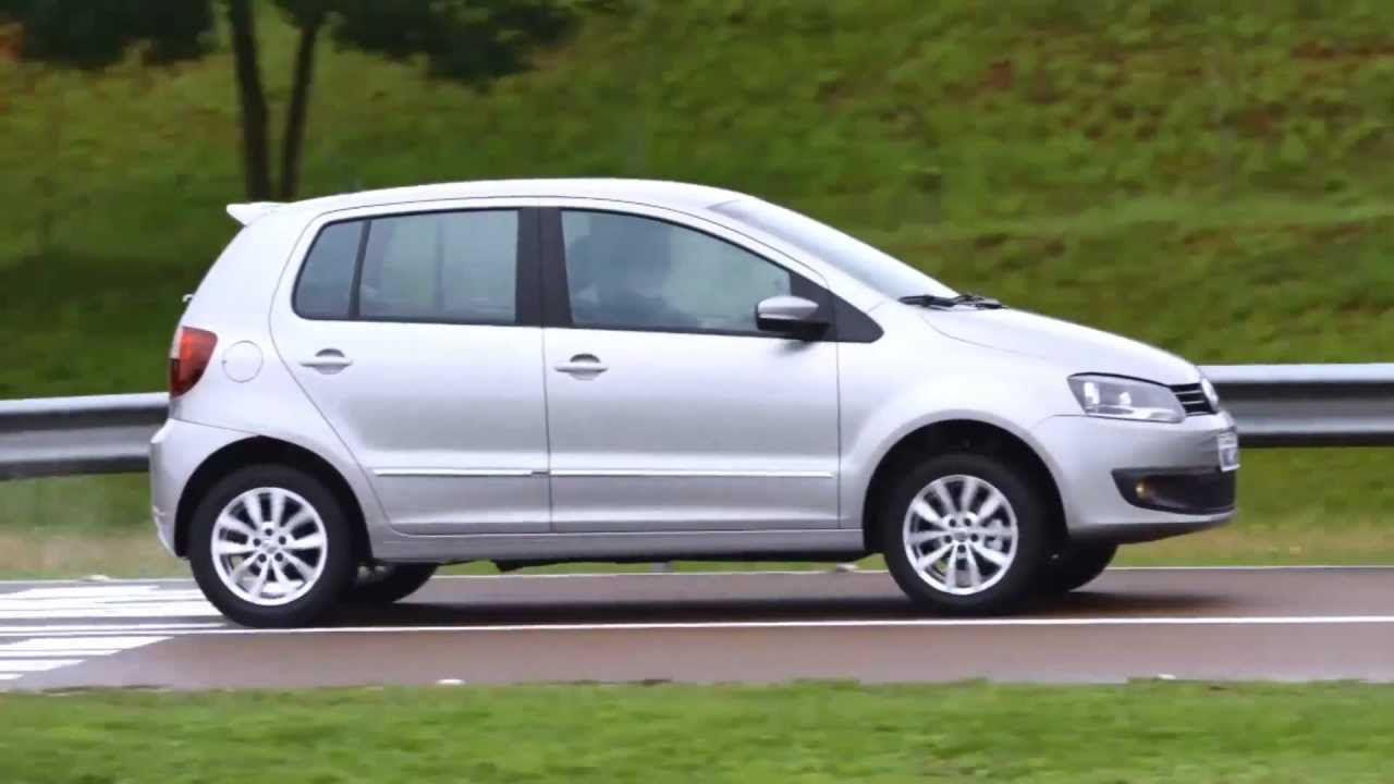 volkswagen fox e crossfox 2014 youtube. Black Bedroom Furniture Sets. Home Design Ideas