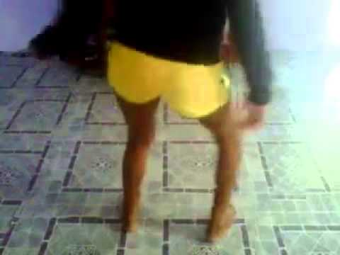 Pretty Young Jamaican Girl Shakes Her Ass