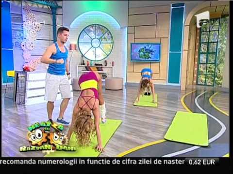 Fitness cu Roxana Ionescu şi Flavia Mihăşan! Fetele şi-au antrenat muşchii posturali