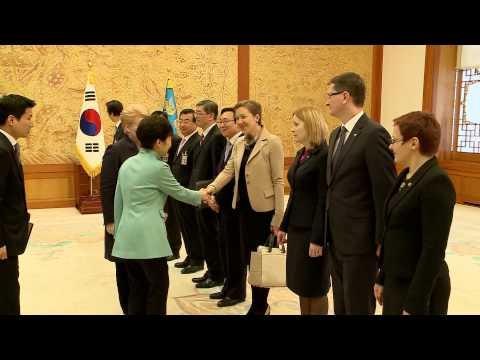 Prezidentės susitikimas su Pietų Korėjos Prezidente Park Geun-hye