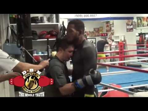 GOLOVKIN TEACHES SULLIVAN BARRERA HOW TO FIGHT IN CLINCH & USE HEAD CONTROL ON THE INSIDE