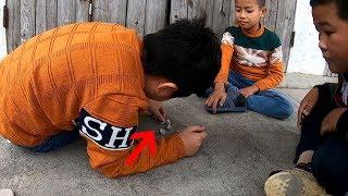 Trò Chơi Dân Gian Đánh Sỏi Của Trẻ Em Miền Quê   Trẻ Em Thành Phố Biết Trò Này Không   Folk games