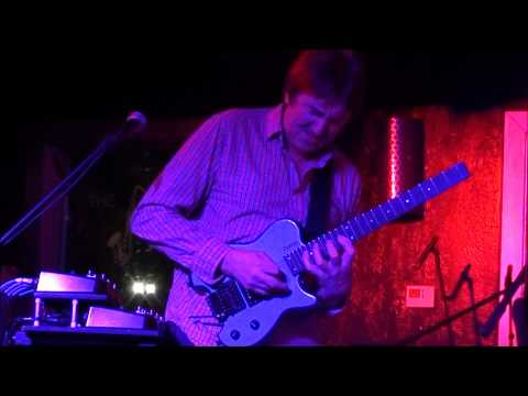 Allan Holdsworth's (NEW SONG???) concert in Houston, TX Nov 15 2011